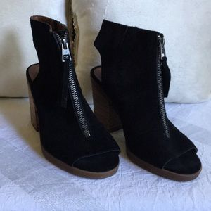 Lucky Brand Black Peep Toe Booties!